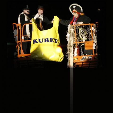 Poklon za gradonačelnika, performans na 12m visine, 2009.
