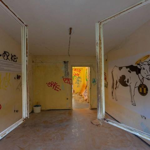 Umjetnička intervencija u Dječjem lječilištu u Krvavici. Autor fotografije Rikardo Škorlić, 2020.
